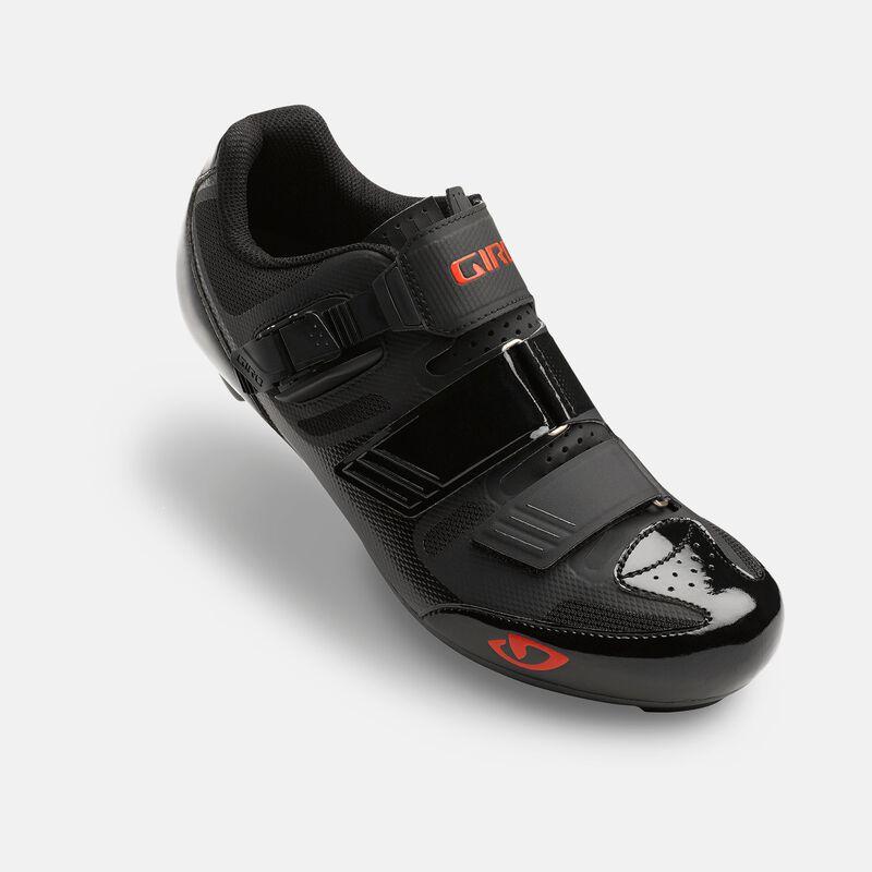 Apeckx II Shoe