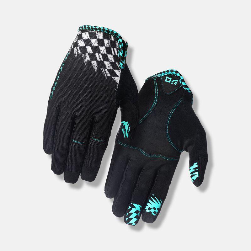 DND Glove