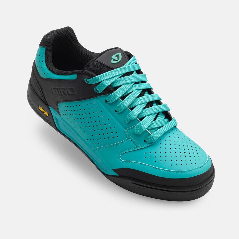 Riddance W Shoe