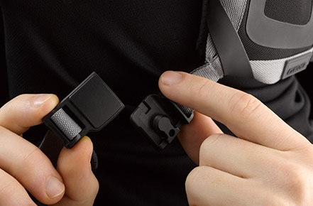 FIDLOCK® MAGNETIC BUCKLE CLOSURE.