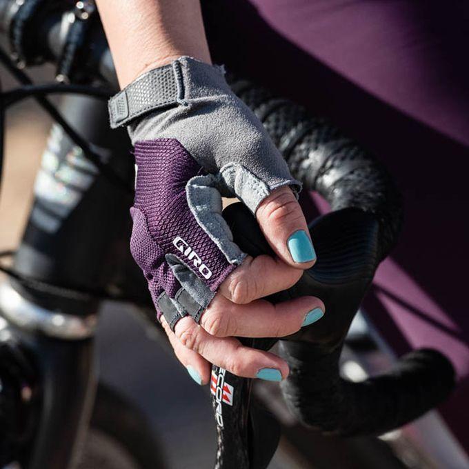 Women's Tessa Gel Glove Details